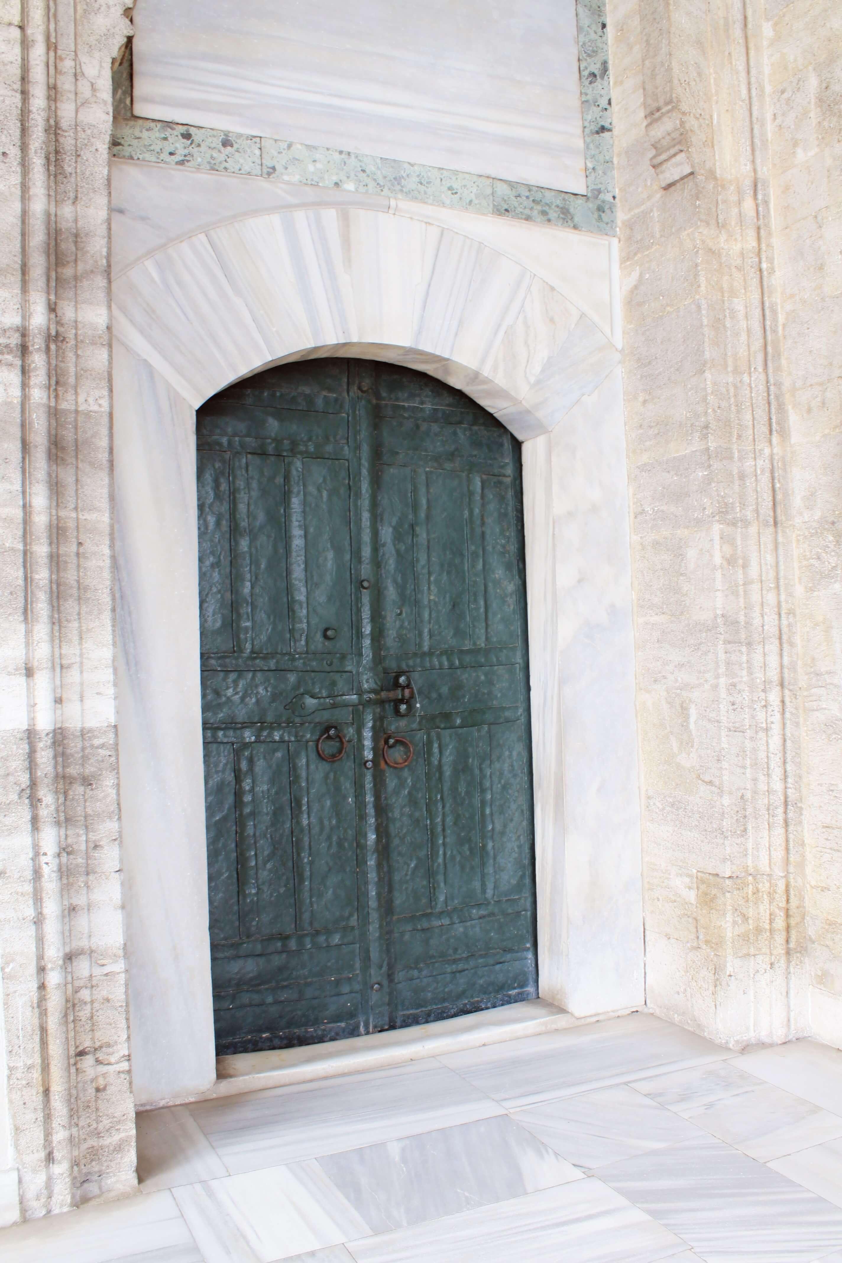 Circumcision Chamber_exterior_bronze door_Topkapi 4th Courtyard