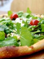 arugula-pizza_freeimages.com