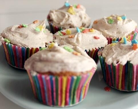 Cupcakes   Kicking Back the Pebbles