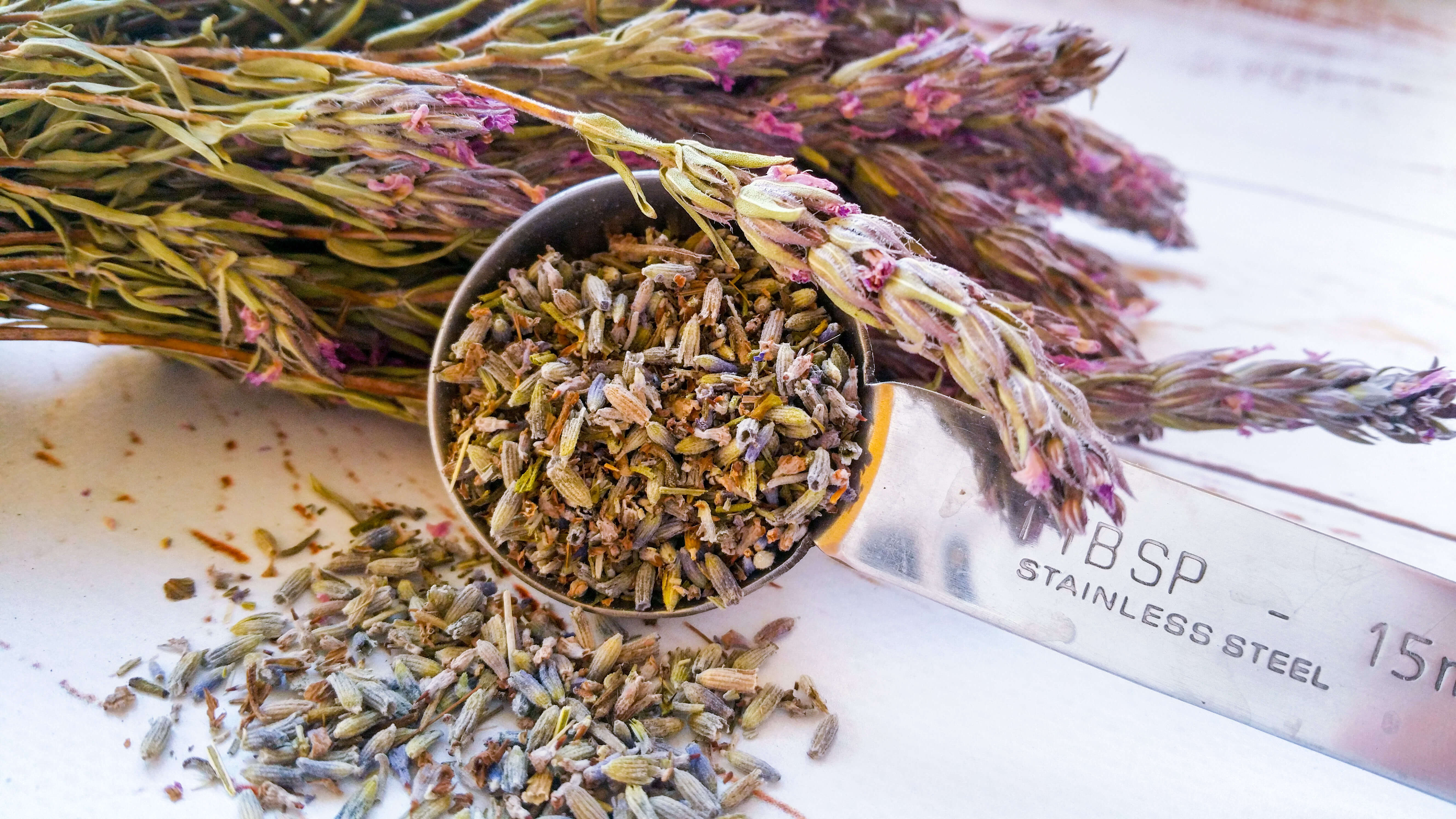 Garlic Shrimp with Herbes de Provence | Kicking Back the Pebbles